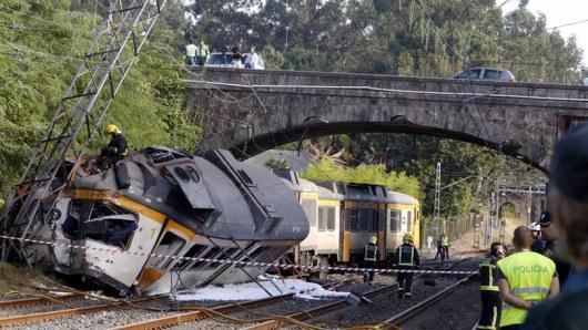 Число погибших крушения поезда вИспании выросло до 4 человек